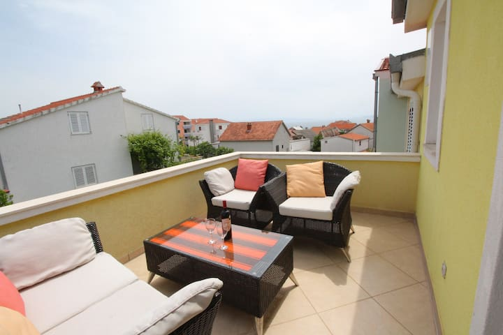 Gotovac - Two Bedroom Apartment (Sea View&Terrace)