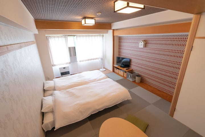 Japanese Retro-style room with Tatami【910・4guests】