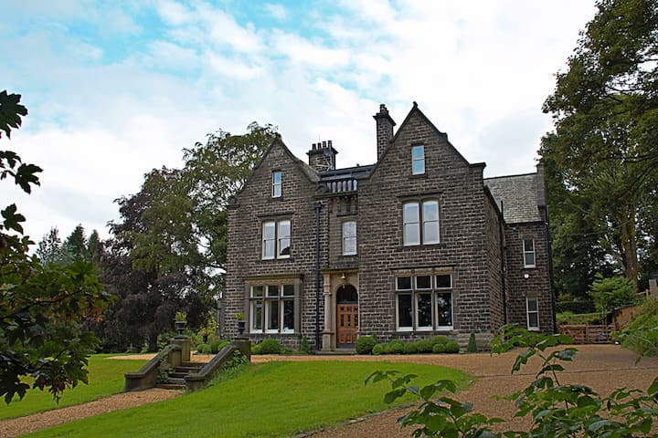 Luxury Studio, the heart of Uppermill, Saddleworth