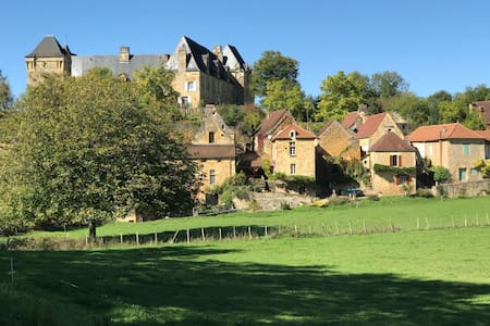 Dordogne Fairytale retreat for two.
