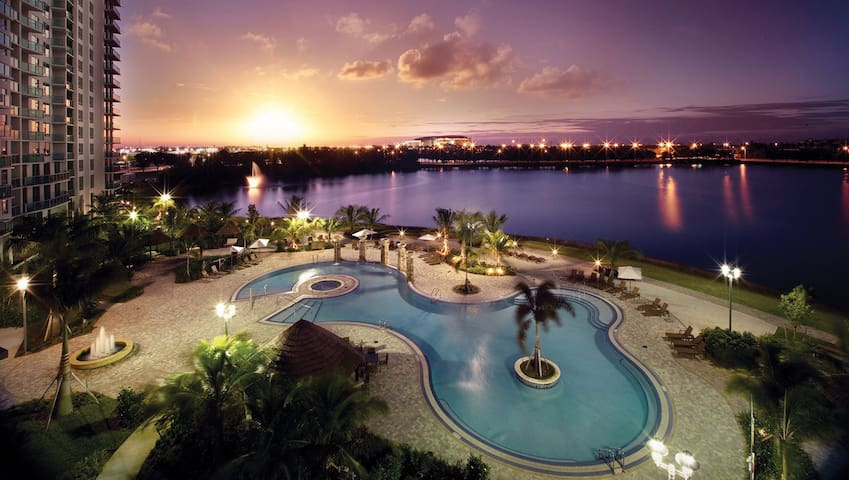 Incredible Condo South Florida Experience