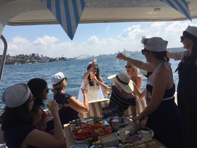 Sydney Harbour at its Best - Киррибили - Лодка