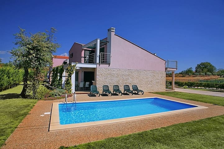 Villa Mihelici 1 with swimming pool