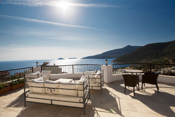 2 Bed Apartment with Seaviews slps5 - Kalkan - Apartamento