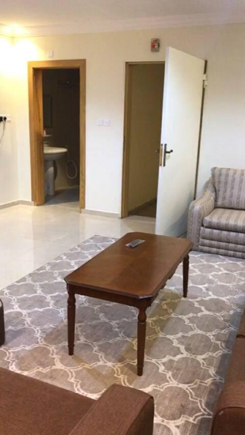 شقة مفروشة الطائف إجار شهري ب ٤٥٠٠ جوال٠٥٣٣٦٦٤٢٩١
