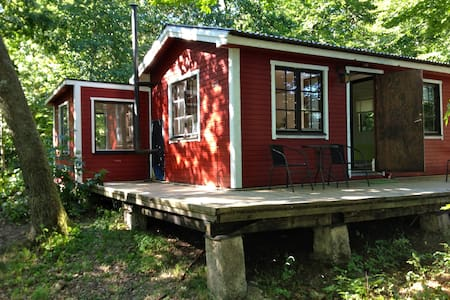 Happy Dogs Ranch, Farm Stay Holiday - Lund - Hytte