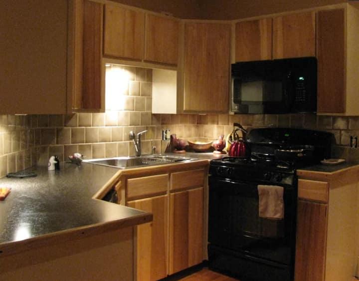 Cozy Loft-style Apartment!