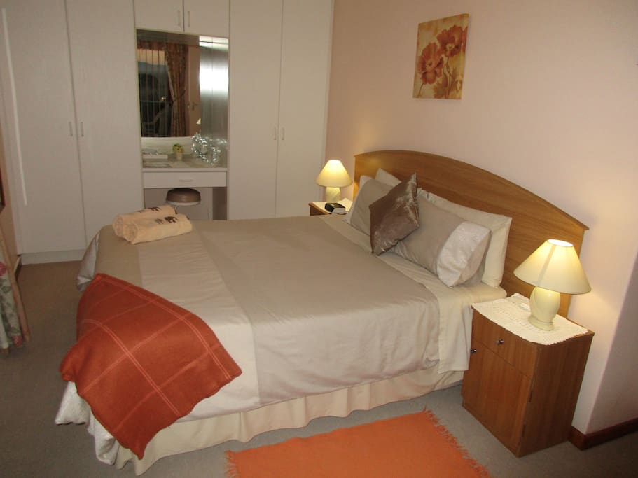SEA FACING DOUBLE ROOM 2 BATHROOM IN PASSAGE