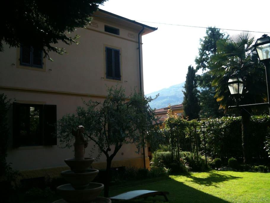 giardino e vista casa