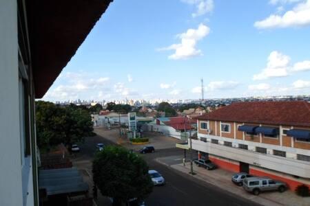 Dormitório e banheiro privativos - Campo Grande - Apartamento