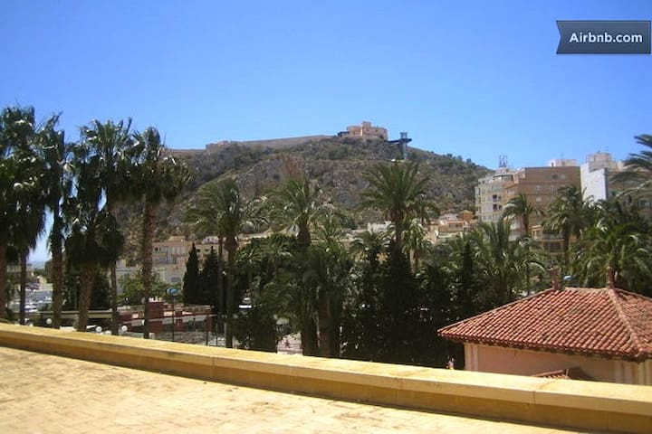 Confortable  double room ensuite & Wifi. - Águilas