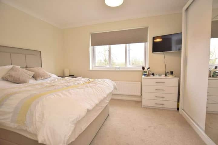 Spacious flat in central Oxford