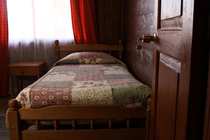 Hostal El Nogal Habitación 2 camas baño compartido