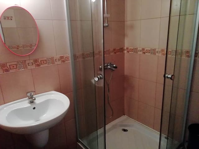 Ванная комната (душевая кабина)