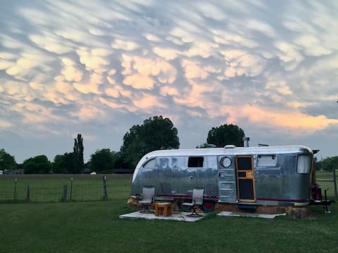 Luxury Airstream on Acreage just West of Oldtown