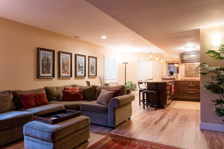 Upscale remodeledbasement apartment