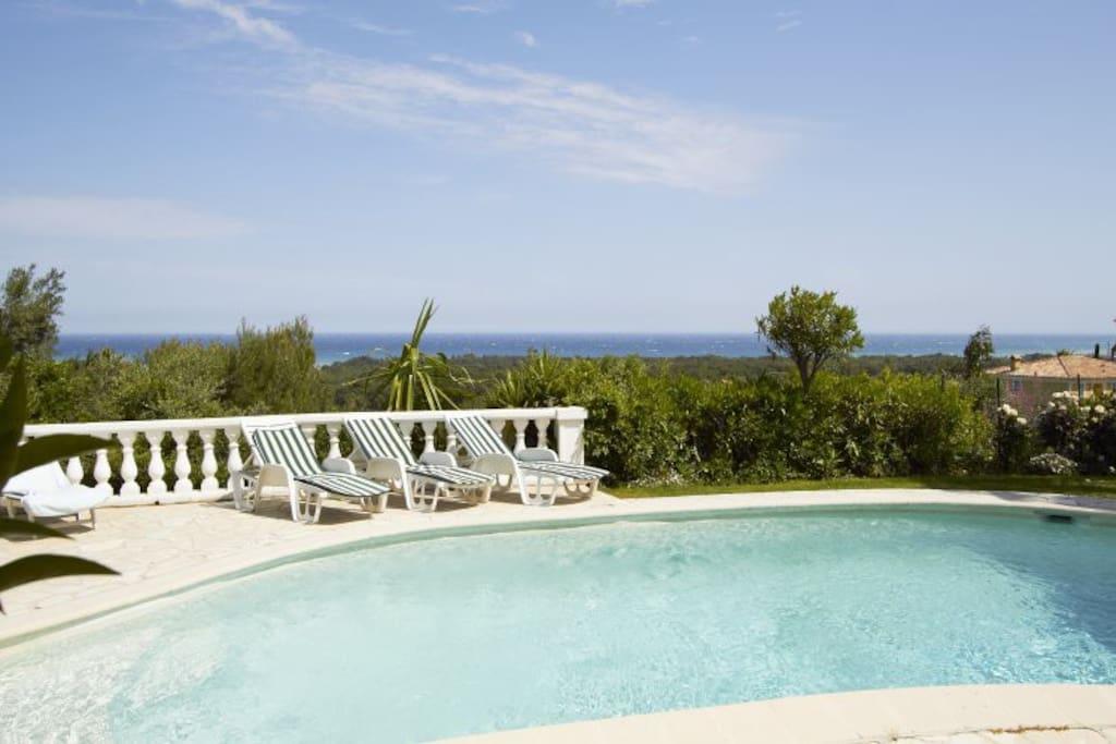 Sublime maison avec piscine vue mer maisons louer for Piscine villeneuve loubet