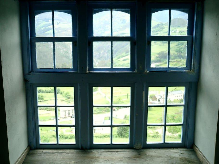 dormitorio principal vista al valle
