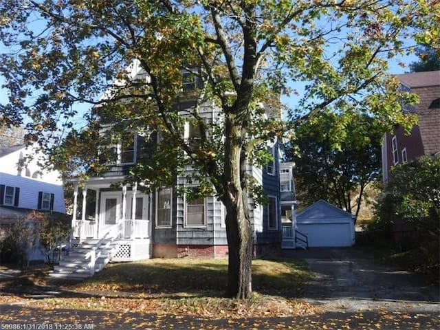 Spacious Sunny Home Walking Dist. to Bates College