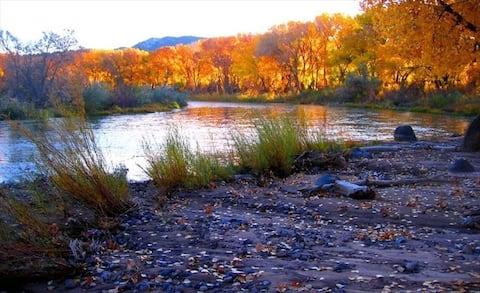 Rinconada Rio Grande Retreat - on the Rio Grande