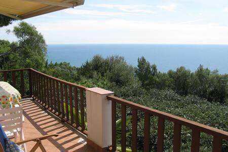 villa nel Parco del Circeo con panorama sul mare - San Felice Circeo