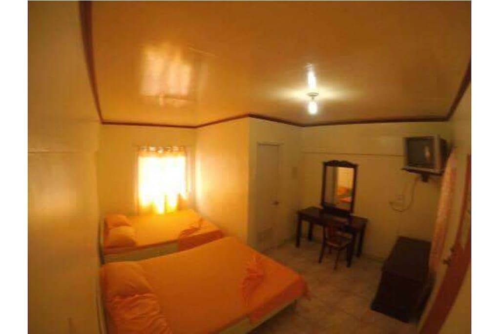 De Luxe Room Good for 4