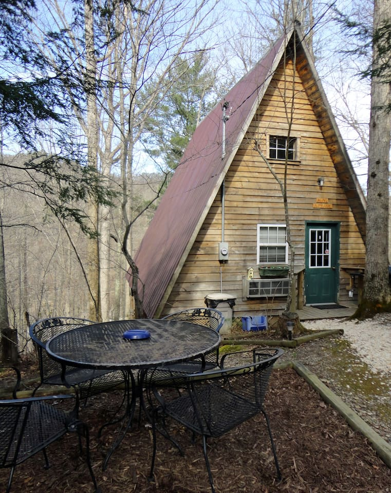 Amy's A Frame is clean and comfortable, tucked away on 86 private acres and bordered by the state park.  It is perfect for up to 4 people.