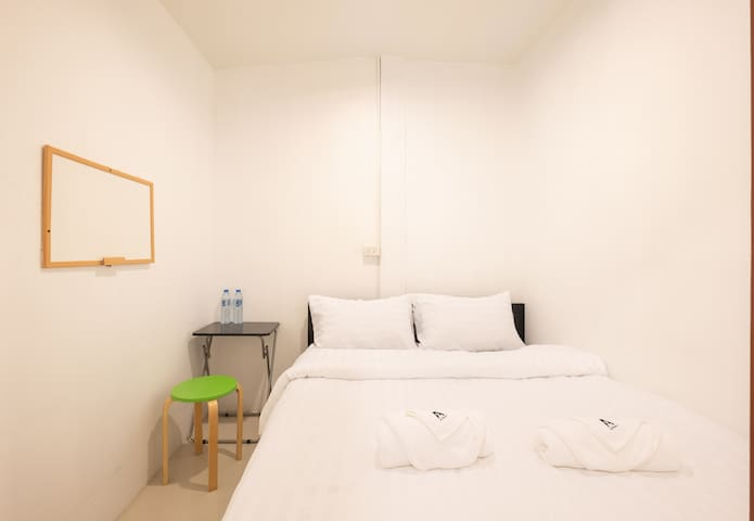 No.403 Private Bedroom With Double Bed @ BTS Ari