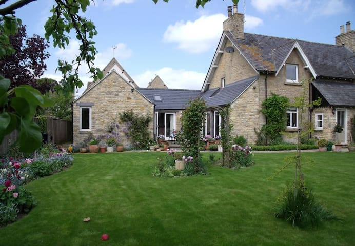 Hackers End, Chipping Norton, - Churchill - Bed & Breakfast