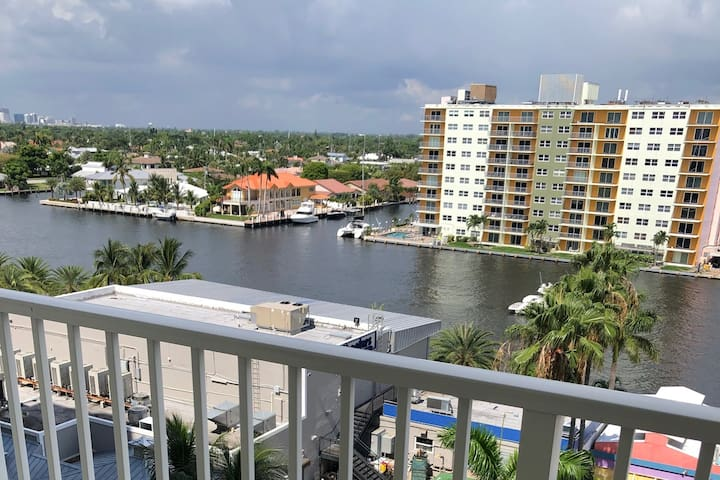 Waterfront Haven Along the Intracoastal