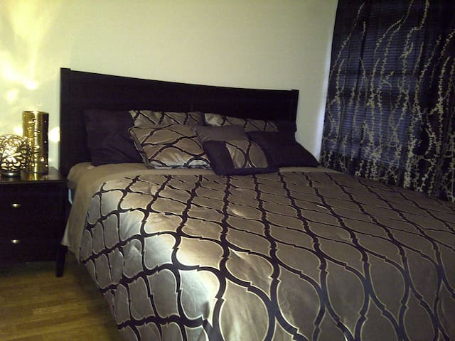 1st Bed room King size bed.