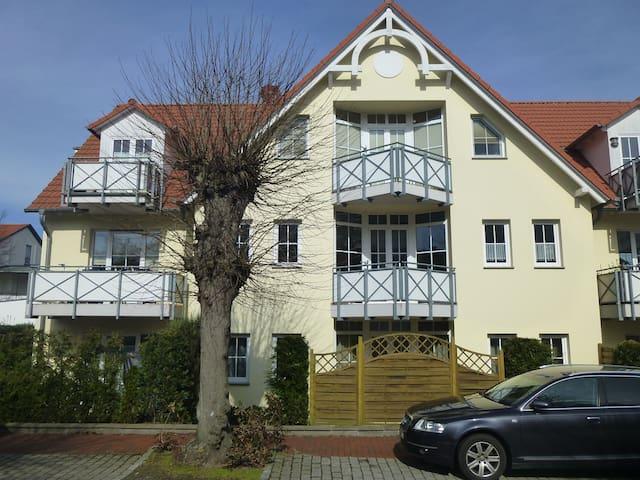Ferienwohnung Ostseetraum mit Sonnenterrasse - Graal-Müritz - Apartemen