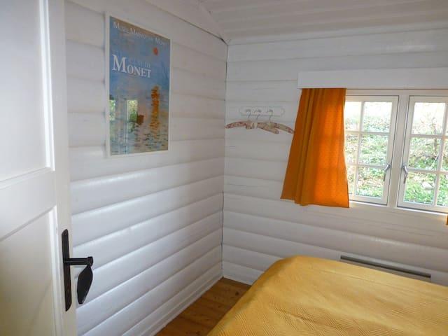 Norwegian log cabin with atmosphere - Glesborg - Cabin