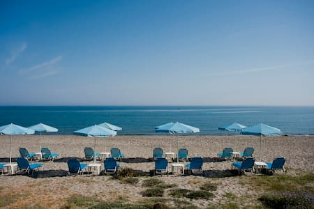 Hotel Caretta Beach Studio - Gerani