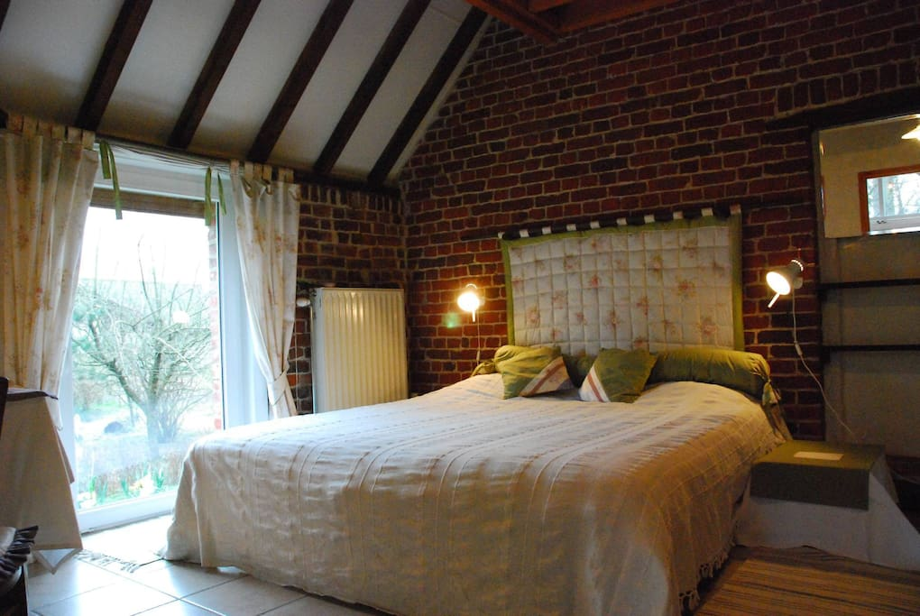 chambre à coucher : lit double ou 2 lits simples