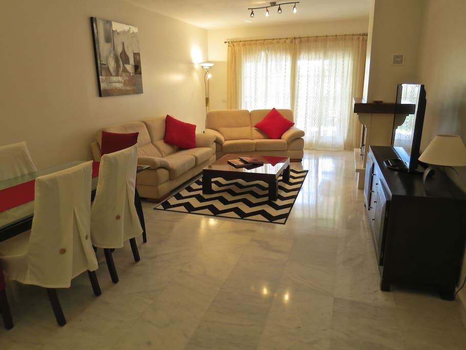 Lounge and dining area with 47 inch Smart TV , Internet and wifi.
