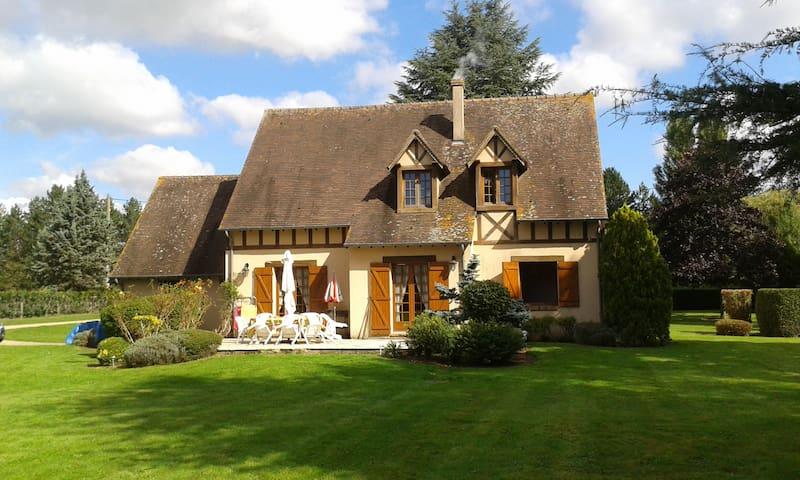 Breuilpont-Lorey: Maison au bord de l'Eure