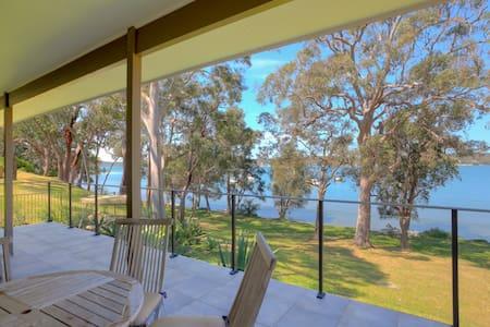 Lake House - Waterfront Living - Gwandalan