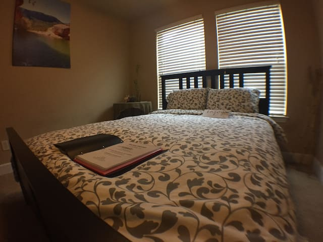 Bedroom on Natoma Street - Folsom