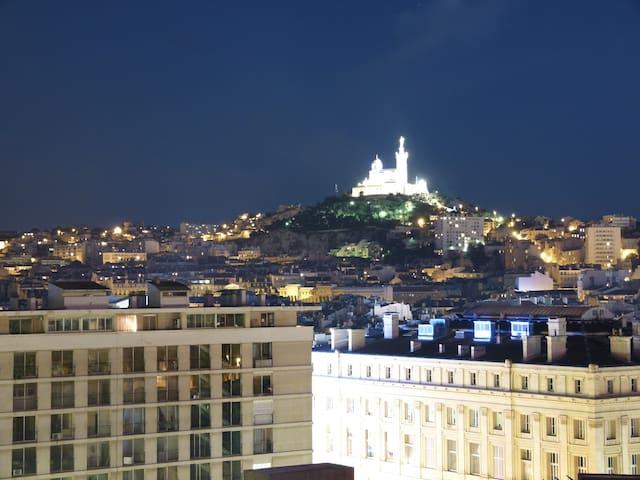 Splendid view Old Port at 2mn - Marselha - Apartamento