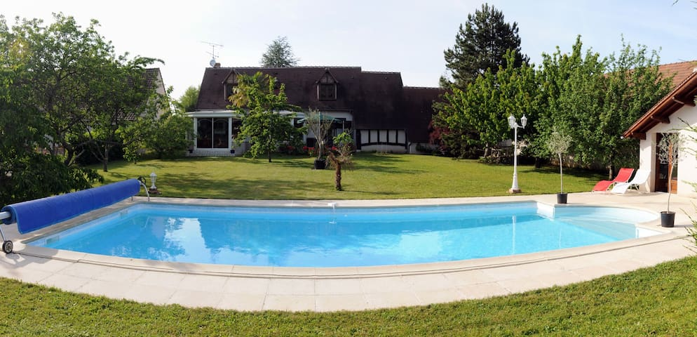 Relaxing house & pool, Loire Valley - Chambon-sur-Cisse - Ház