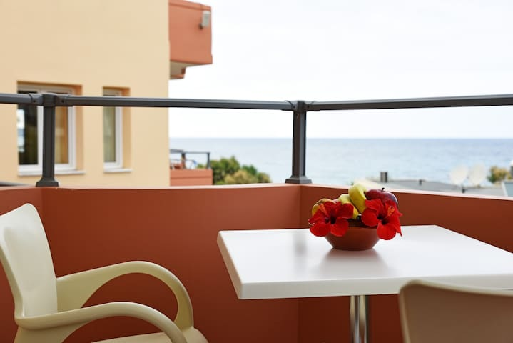 Iolkos Hotel-Studio with Sea View