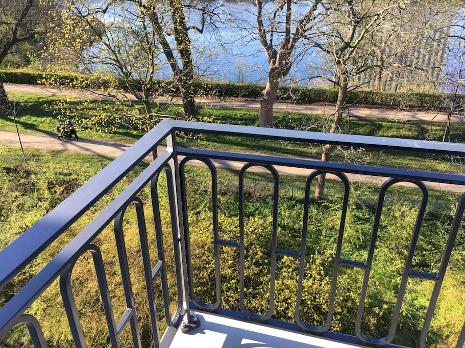 New  large balcony installed overlooking the water and the green moats. Southfacing. You will love it.