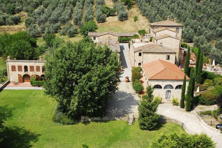 Tenuta Lupinari - Cozy Cottege in tuscany Portico