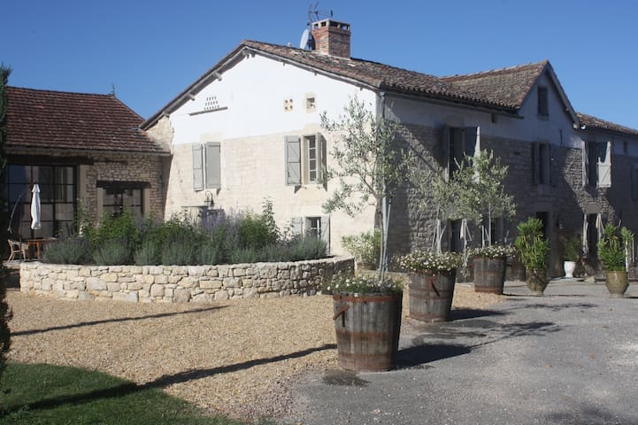 Luxury manor house in the Tarn - Noailles - Bed & Breakfast