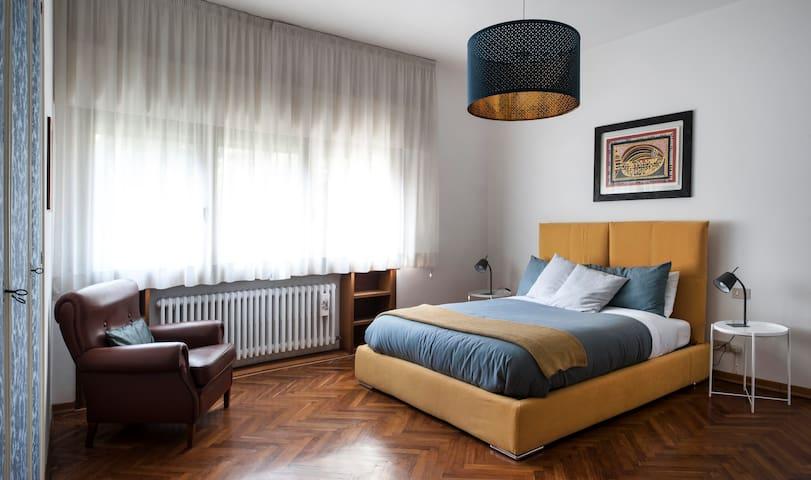 Stanza Zafferano (Casa Lunia Guesthouse)