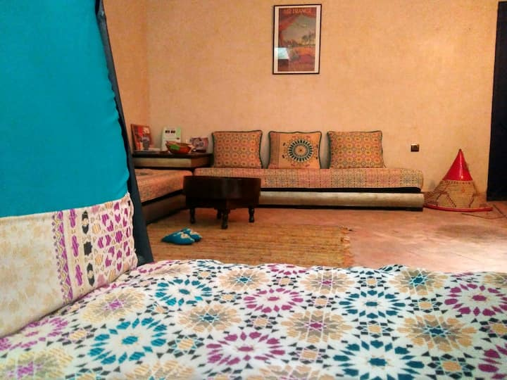 WONDERFULL CHEAP ROOM IN PRIVATE RYAD.BIG SQUARE