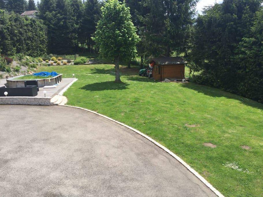 Euro16 appart jardin et piscine maisons louer for Appart maison a louer