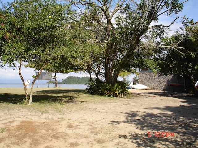 Casa 3 qts a 100 m praia - Angra dos Reis - アングラ ドス レイス - 一軒家