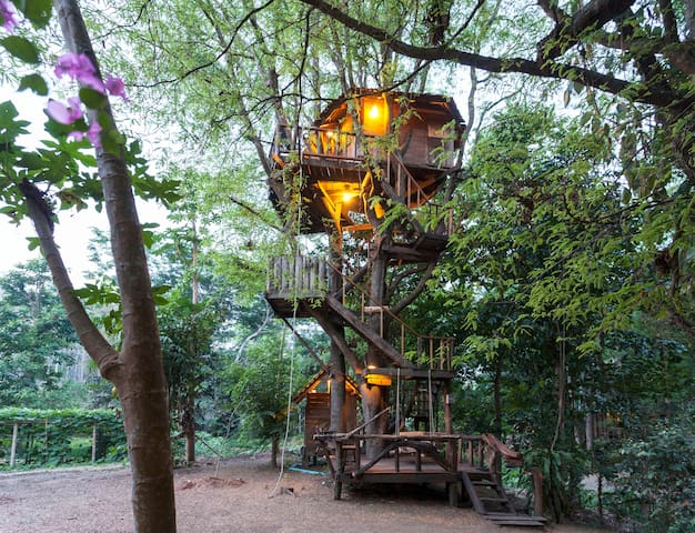 Tamarind cottage treehouse - Luang Nuea - Treehouse